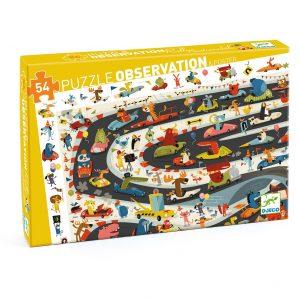 Venez découvrir le puzzle d'observation 54 pièces le rallye de Djeco. Tout autour d'une grande image, des dizaines de sujets ou d'objets à découvrir ! Commence par assembler le puzzle, puis amuse-toi à retrouver les éléments de la frise dans l'image centrale.